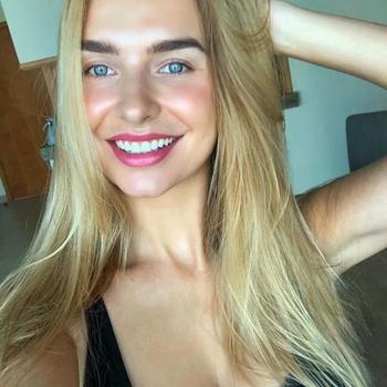 Gratis naar bed met deze 21-jarig tienerje uit Limburg