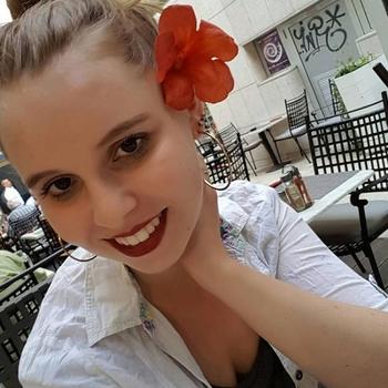 Lekkere sex met een 18-jarig meisje uit Noord-Brabant