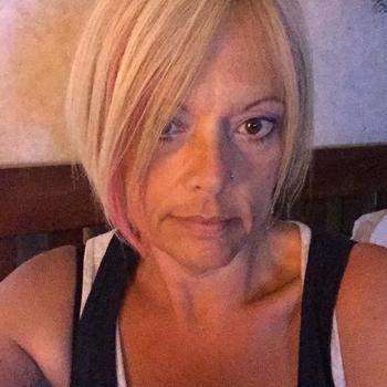 Gratis naar bed met deze 48-jarig moedertje uit Groningen
