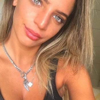 Geil neuken met een  18-jarig meisje uit Zuid-Holland